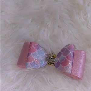 Gorgeous Dog bow clips